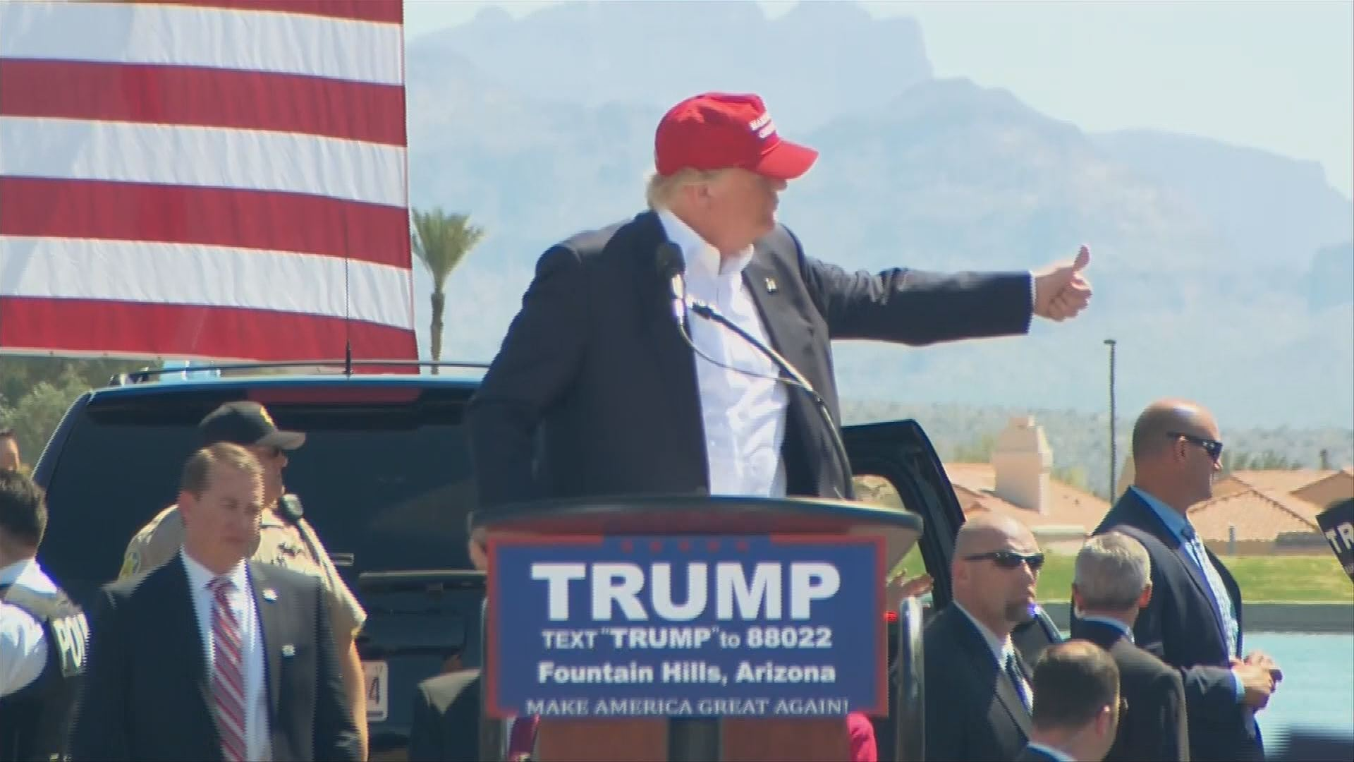 Donald Trump says campaign manager who grabbed protester showed 'spirit'