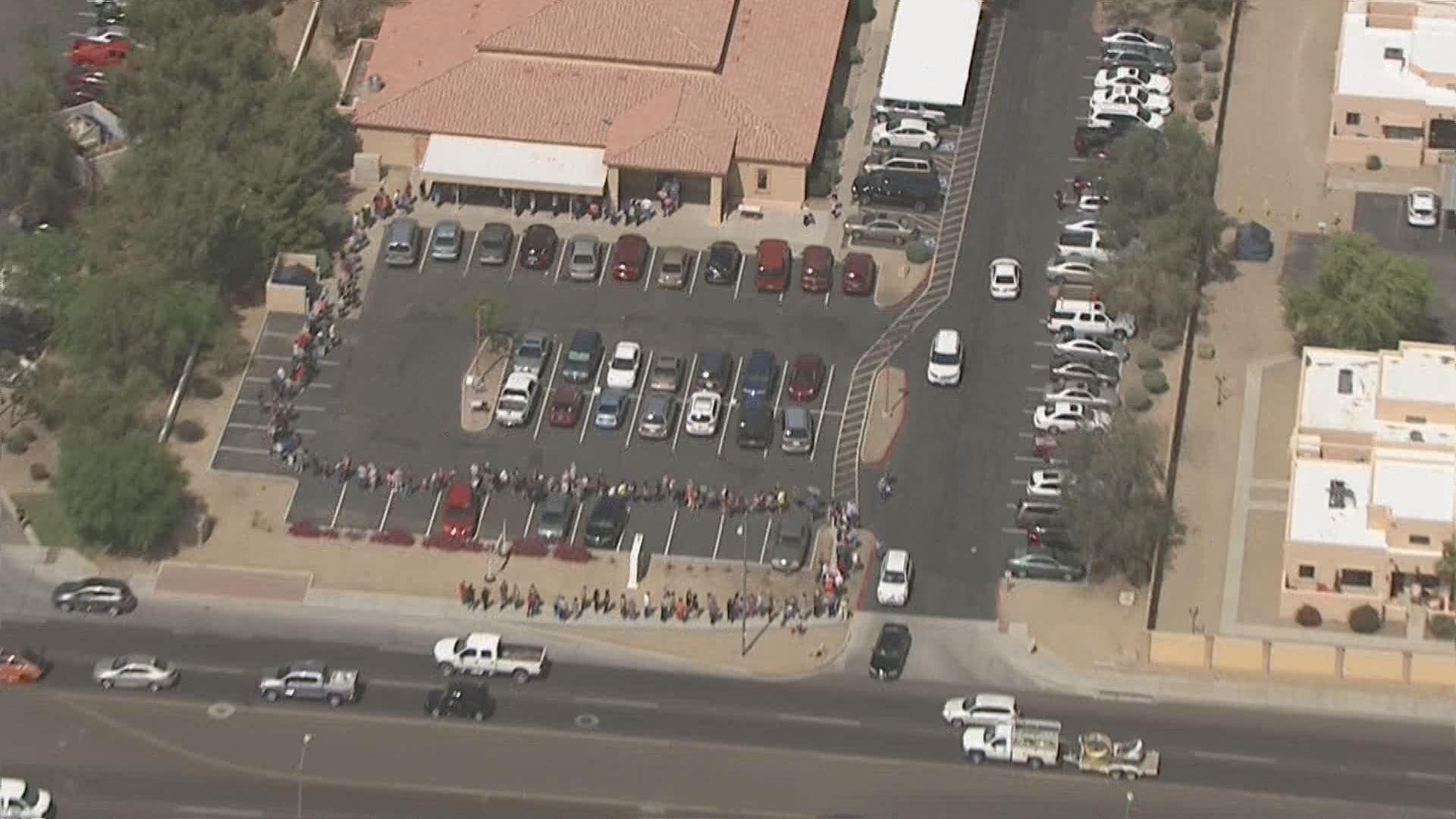 Phoenix official backtracks after blaming voters for lines