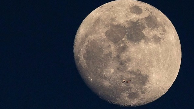 Scientists worry the moon is a jerk after it photobombs Earth   12NEWS.com