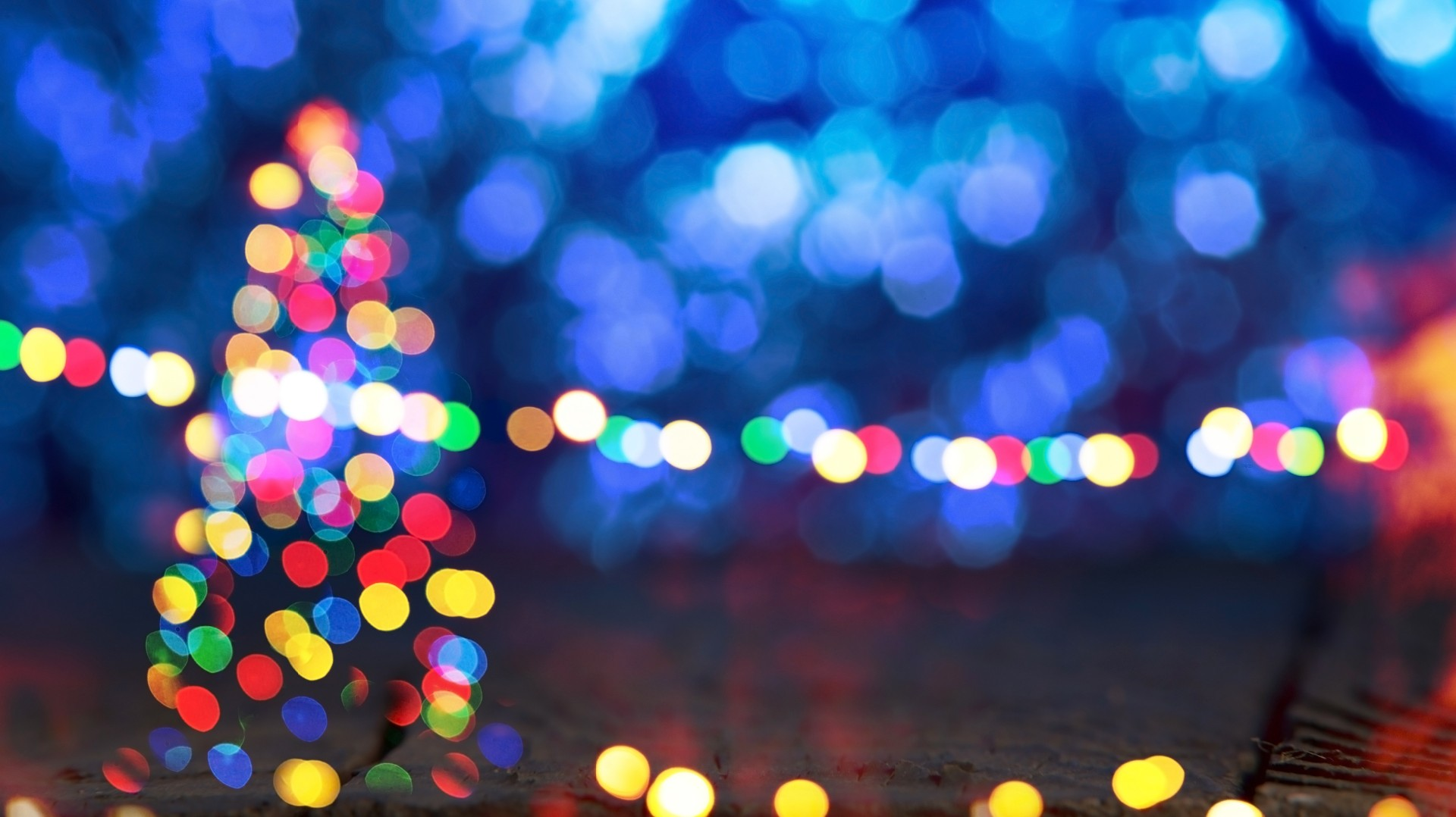 Gilbert's 'Christmas On Comstock' light display kicks off | 12NEWS.com
