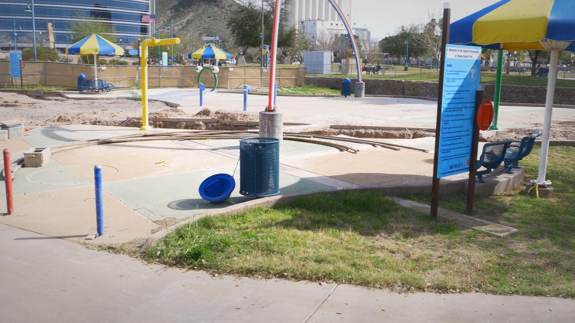 Tempe Building Splash Playground At Kiwanis Park
