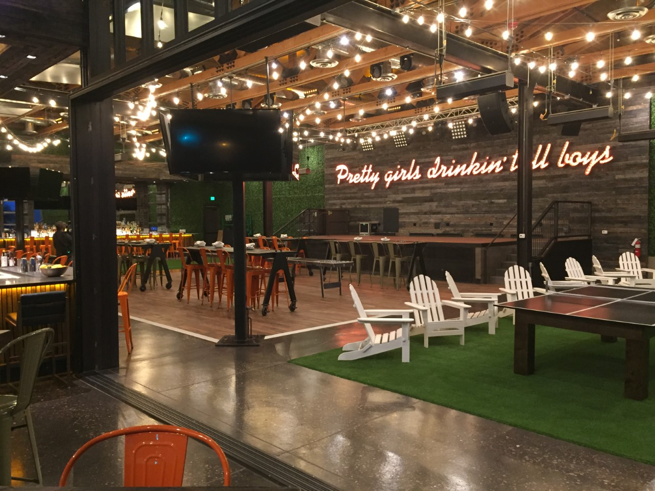 12news Com Dierks Bentley S Whiskey Row Set To Open In