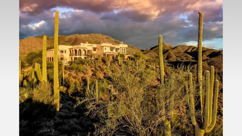 Cave Creek - LuxuryDesertHideaways
