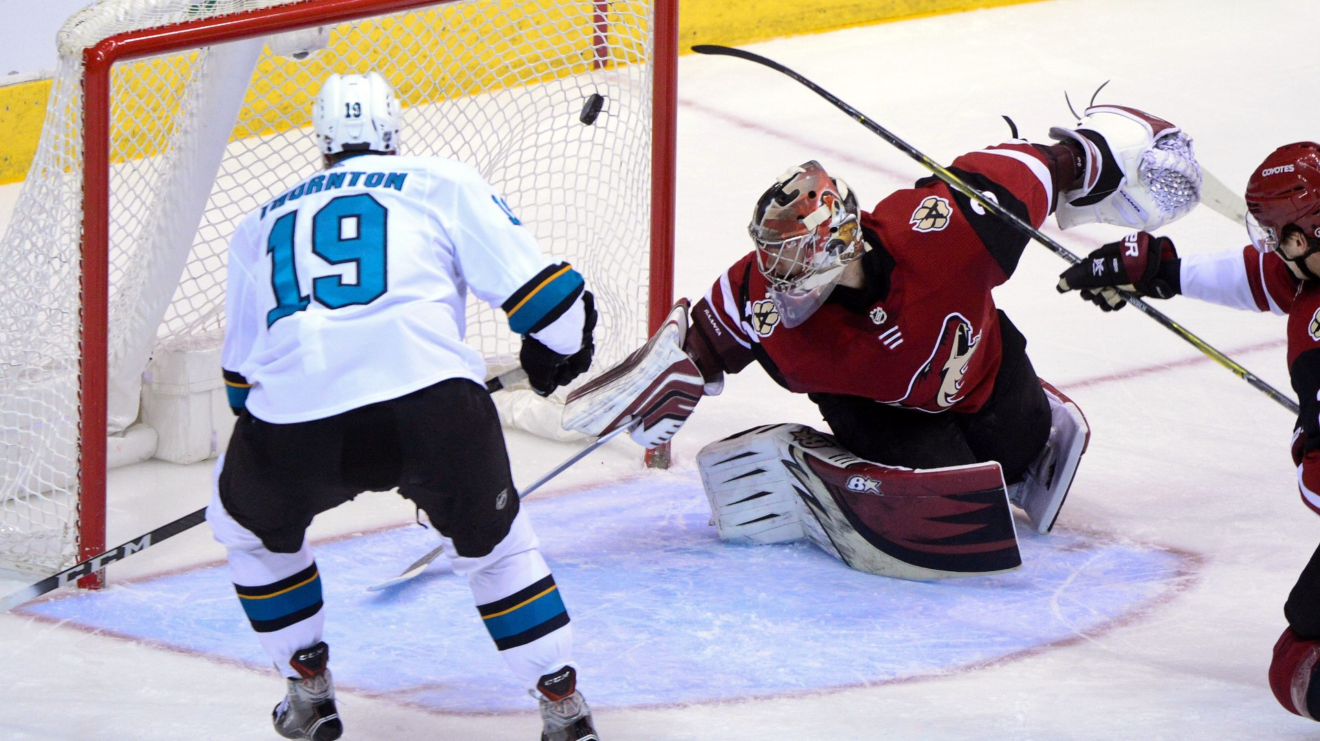 Pavelski, Sharks beat Coyotes in shootout