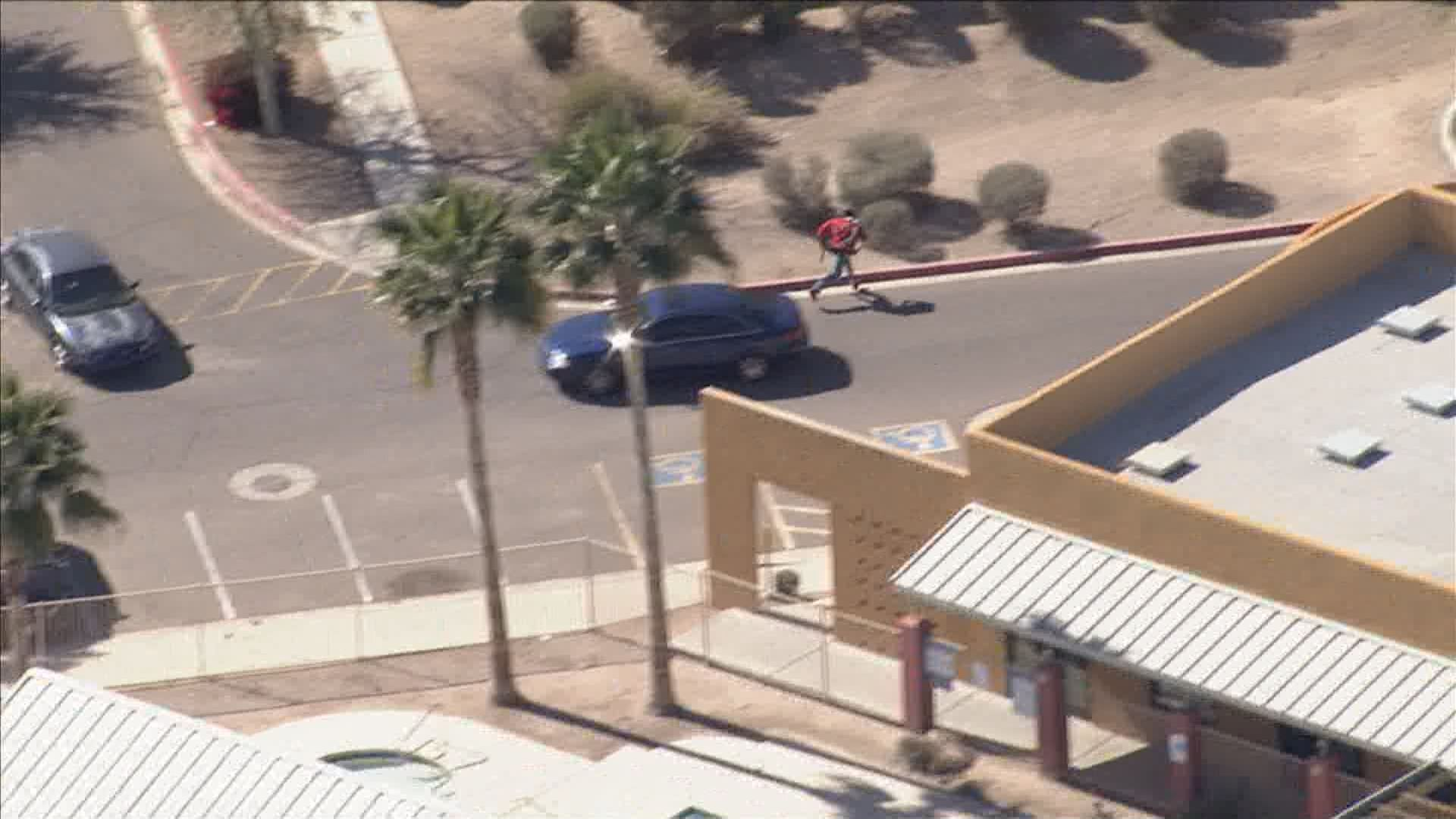 Abc10 Com Photos Police Pursue Armed Robbery Suspect In